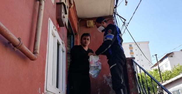 Eyüpsultan'da vatandaşların ihtiyaçları evlere ulaştırıldı