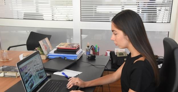 Lise öğrencisi Türkiye'deki genç kızların sesi oldu