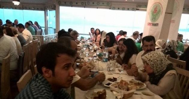 Antalya Siirtliler Vakfından İftar Programı