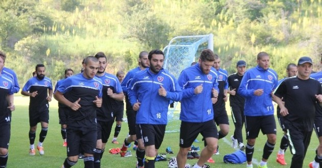 Karabükspor'da Kamp Çalışmaları Sürüyor