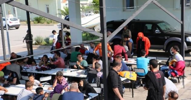 Marmaris'te Tekneleri Batan Mülteciler Kurtarıldı
