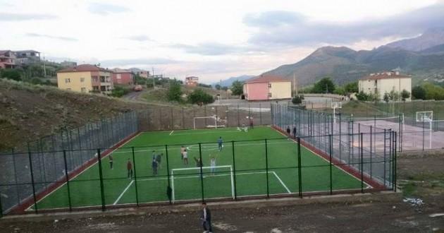 Niğde İl Özel İdaresi Niğde'nin Her Yerine Futbol Sahası Yapıyor