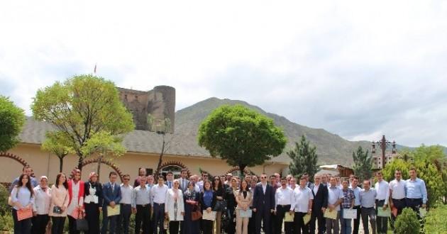 Oltu'da 60 Başarılı Öğretmen Ödüllendirildi