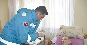 Yaşlılara evde sağlık kontrolü yapıldı