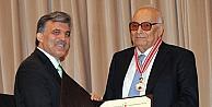 """Abdullah Gül: Edebiyatımızın Ulu Çınarı Yaşar Kemali Maalesef Kaybettik"""""""
