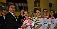 Adana'da Okullarası Badminton Müsabakaları Tamamlandı