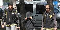 Adanada Takma İsimle Facebook Sayfası Açıp Fuhuş Yapan Kadın Suçüstü Yakalandı