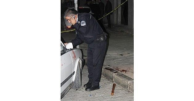 Adana'da Yol Verme Kavgası: 2 Yaralı