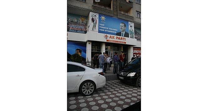 Ak Parti Diyarbakır İl Başkanlığına Taşlı Saldırı