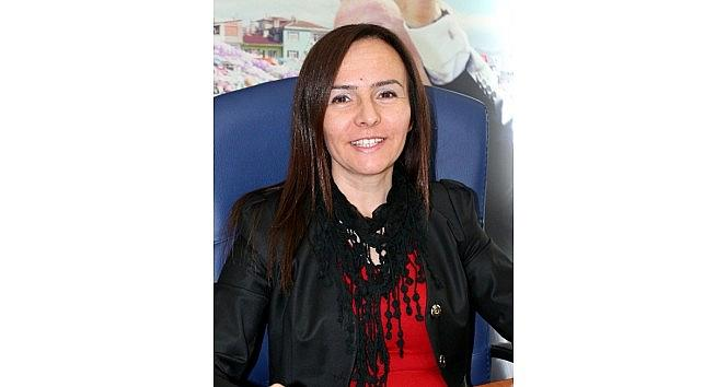 Ak Parti'li Gözpınar'dan Kadınlara Çağri