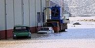 Antalyada Sel Tarım Arazilerini Vurdu