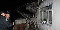 Balkon Üzerine Çöktü