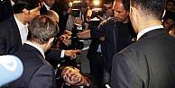 Başbakan Davutoğlu, Engelli Onur'a Bilgisayar Sözü Verdi