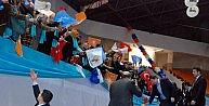 Başbakan Davutoğluna Üç Dilli Karşılama