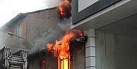 - Bilecik'te Ahşap Evde Çikan Yangın Paniğe Neden Oldu