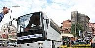 Bolu'da Otobüs Refüje Daldı
