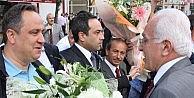 CHP'li Giresun Belediye Başkanı Aksu Kamalak Ve Destici'yi Çiçeklerle Karşıladı