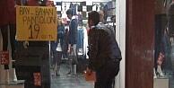 Diyarbakır'da Hırsızlar Kadın Esnafa Ait Mağazayı Soymaya Kalktı