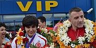 Dünya Boks Şampiyonu Busenaz, Trabzonda Coşkulu Bir Şekilde Karşılandı