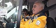 Edirnede Ambulansın Direksiyonuna Geçen Vali Şahin, Emniyet Kemerinin Önemine Vurgu Yaptı