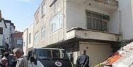 Engelli Simsar Evinde Bıçaklanarak Öldürüldü