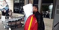 Gözaltındaki Galatasaraylı Taraftar Sağlık Kontrolünden Geçirildi