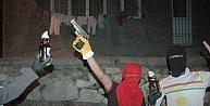 Hakkari'de Polis Lojmanları Ve Okula Saldırı