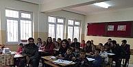 Hasan Kalyoncu Üniversitesi Minik Öğrencilere Yardım Elini Uzatıyor