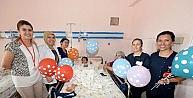 Hastanedeki Çocuklar Hacivat-karagöz İle Moral Buldu