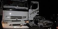 Hatayda Tır İle Otomobil Çarpıştı; 2 Kişi Öldü 2 Kişi Yaralandı