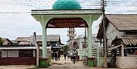 Hint Okyanusunun Ortasında Müslümanlar Ve Budistler Birlikte Yaşıyor