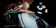 Kamyon İle Minibüs Çarpişti: 4 Yaralı