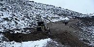 Kar Kış Demeden Yayla Yolları Yapılıyor