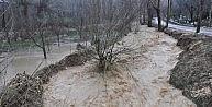 Karamanda Şiddetli Rüzgar Ve Sağanak Yağış Etkili Oluyor