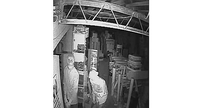 Kasa Hırsızları Güvenlik Kamerasını Umursamadı