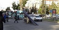 Kasasındaki Metal Çubuklar Dağıldı, Trafik Altüst Oldu