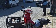 Kasksız Motosiklet Sürücüsü Ağaca Çarptı