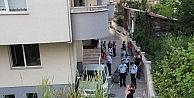 Kayan Otomobil Bahçeye Uçtu, Facia Ucuz Atlatıldı