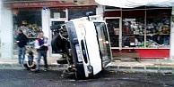 Kayganlaşan Yolda Minibüs Devrildi: 1 Yaralı