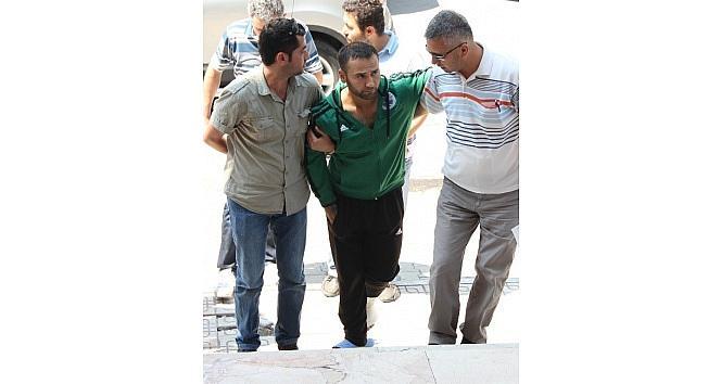 Kendisini Yakalayan Polise Bıçakla Saldıran Zanlıya 2 Yıl 15 Gün Hapis