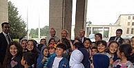 Kılıçdaroğlu, TBMMyi Ziyaret Eden Çocuklarla Sohbet Etti
