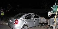 Lokomotif Otomobile Çarpti: 2 Yaralı