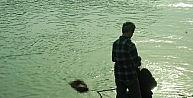 Manavgat Irmağında Erkek Cesedi Bulundu