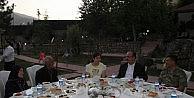 Mehmetçik'ten Gazi Ve Şehit Ailelerine İftar Yemeği