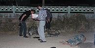 Motosiklet Cami Duvarına Çarptı: 1 Ölü, 2 Yaralı
