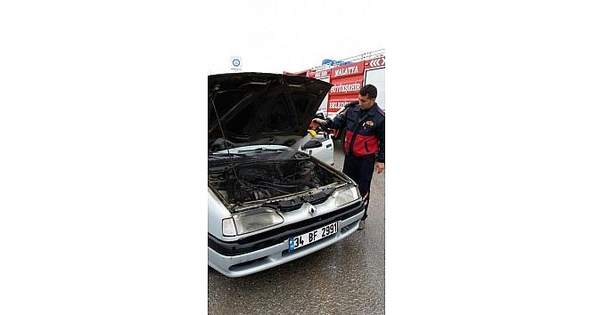 Muayeneden Çikan Otomobilde Yangın Çikti