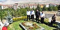 Muraz Zeren Mezarı Başında Anıldı