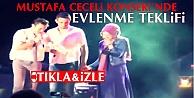 Mustafa Ceceli Konserinde Evlenme Teklifi İzle