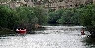 Nehre Düşen Çocuk Hayatını Kaybetti