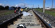 Ölüm Tren Raylarında Yakaladı
